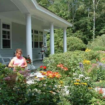Pollys Planting Plucking Gardening Service Harbor Springs